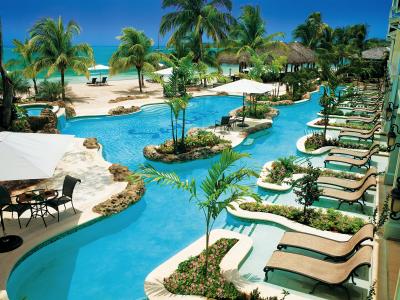 Mô hình kinh doanh pool&spa