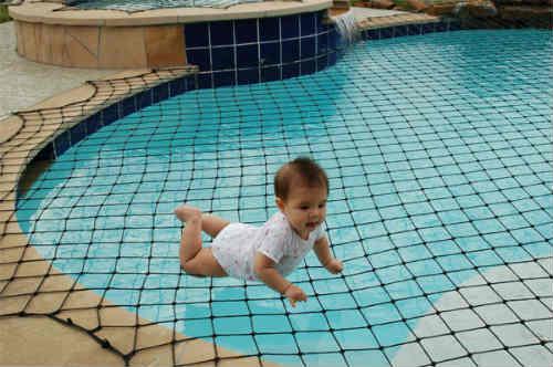 Lưới che hồ bơi